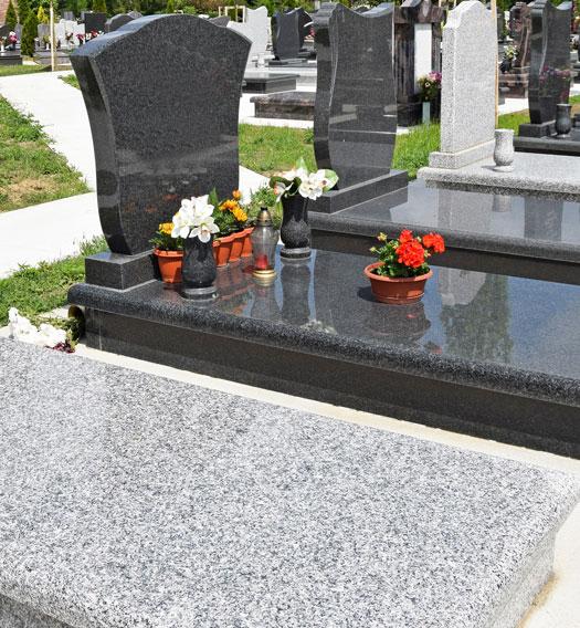 monument funéraire à Sully-sur-Loire