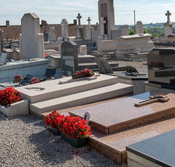 entretien du monument funéraire à Sully-sur-Loire